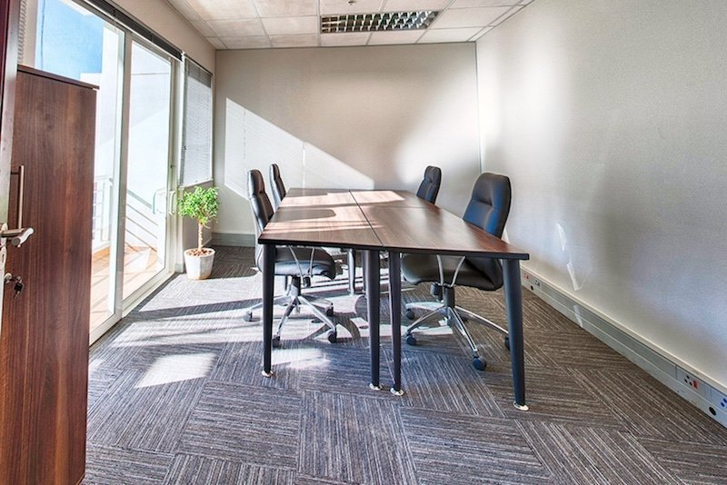 Private-Office-Space-The-Business-Exchange-Serviced-Office-space-to-rent-in-morningside-johannesburg-workspace-800x534